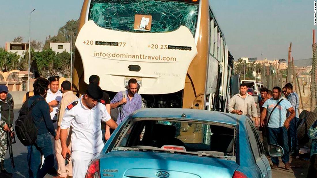 Egypt explosion injures tourists