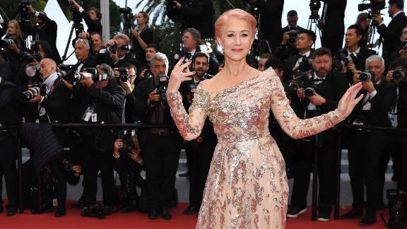 Helen Mirren, wearing Elie Saab, shows off bubblegum pink hair on the red carpet.