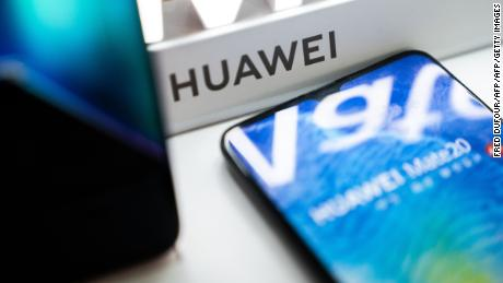 A Huawei logo is displayed at a retail store in Beijing on May 20, 2019. - US internet giant Google, whose Android mobile operating system powers most of the world's smartphones, said it was beginning to cut ties with China's Huawei, which Washington considers a national security threat. (Photo by FRED DUFOUR / AFP)        (Photo credit should read FRED DUFOUR/AFP/Getty Images)