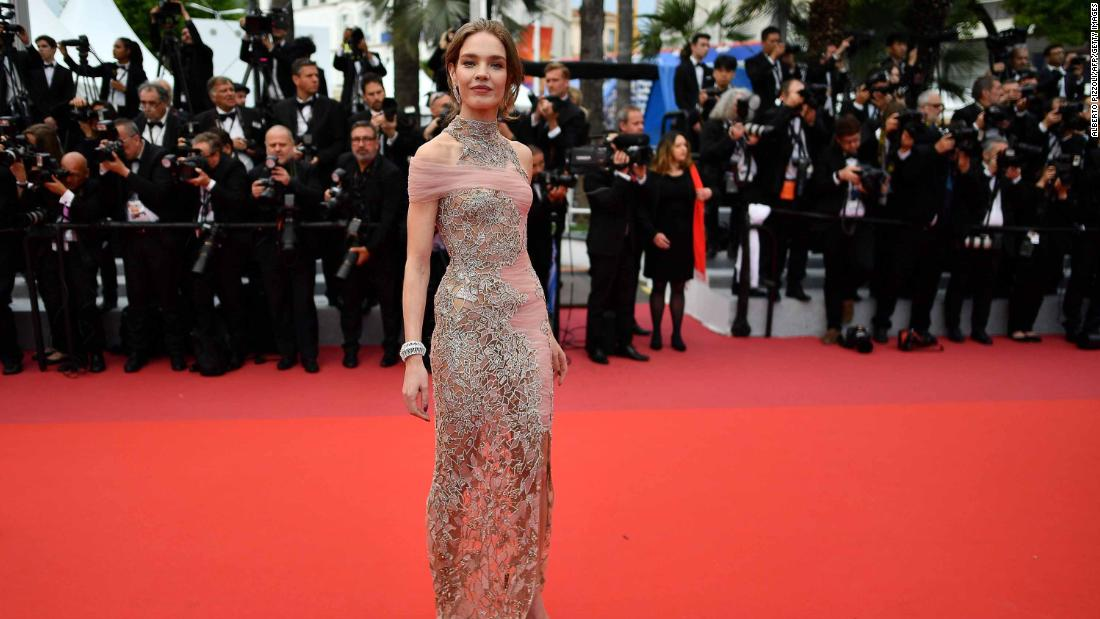 Russian model Natalia Vodianova wore bejeweled Versace on the red carpet.