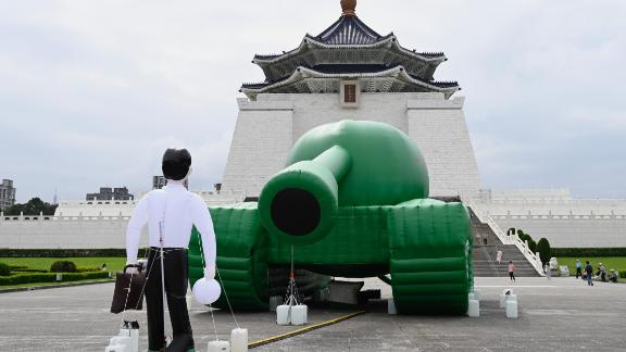 An artwork of Tank Man by Taiwanese artist Shake, inspired by a sketch of dissident Chinese artist Baidiucao, is on display in front of Chiang Kai-shek Memorial Hall in Taipei on May 21, 2019.