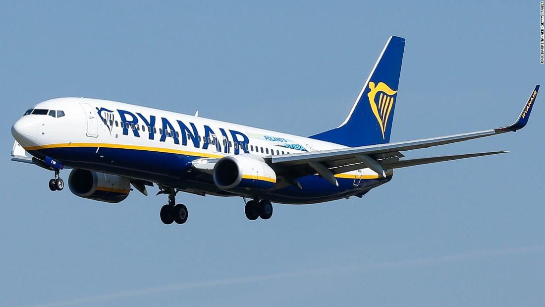 Ryanair passenger rails against cabin crew after landing in wrong Italian city