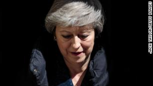 Theresa May expected to announce resignation