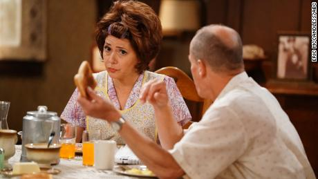 Marisa Tomei played Edith Bunker in the live presentation of ABC