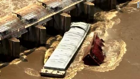 Cool Runaway Barges Sink After Slamming Into Dam Download Free Architecture Designs Scobabritishbridgeorg