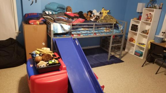 The son's room, messy in the morning, was found neat and clean.
