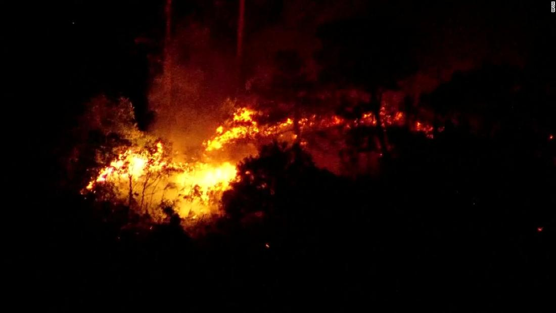 Wildfire shuts down a part of I-95 in Florida