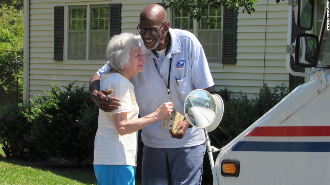 6fa7a14f06 When their mailman retired, the neighbors along his route threw him one  heck of a goodbye party - CNN