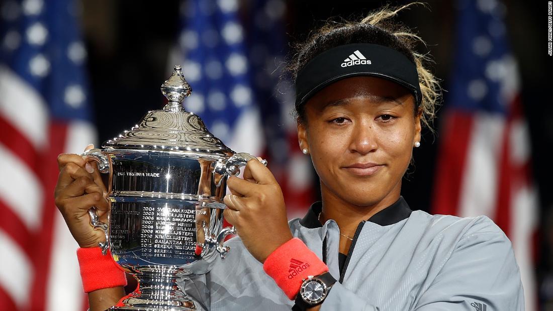 Naomi Osaka rallies again at French Open, this time against Azarenka