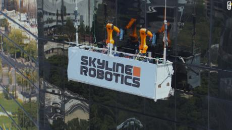 Robots find a new job: Skyscraper windows