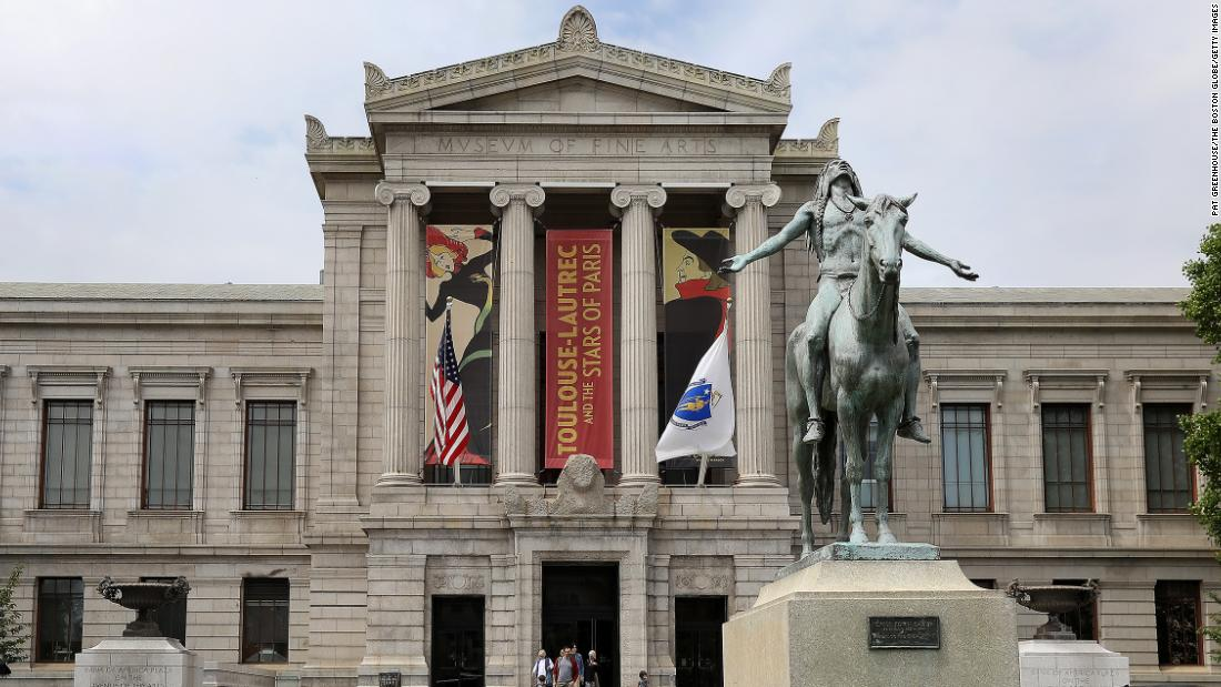 Honor students complain of racial incidents at Boston's Museum of Fine Arts