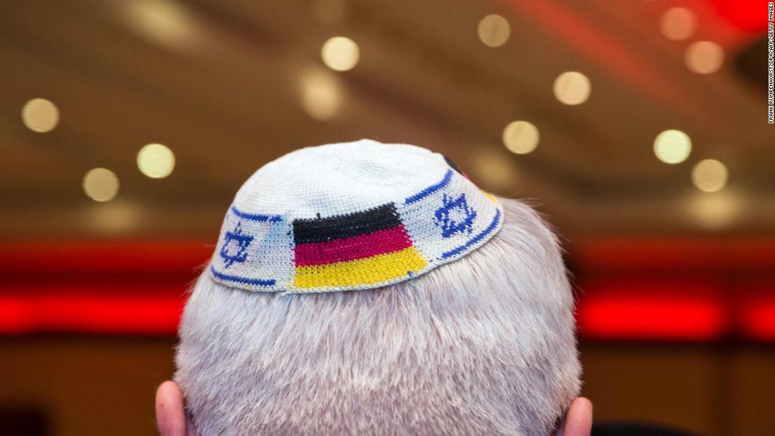 German Jews warned not to wear kippahs in public following spike in anti-Semitism