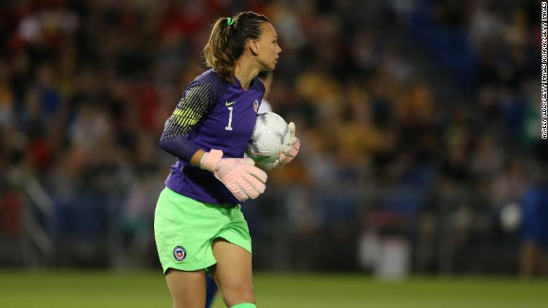 Chile goalkeeper and captain Christiane Endler helped Rothfeld in setting up her organization.