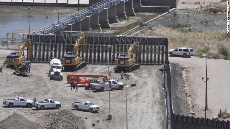 New Mexico town orders halt to private border wall construction