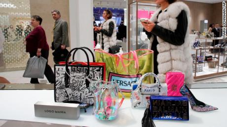 Neiman Marcus and H & amp; M has a plan to win young buyers. : used clothes and bags