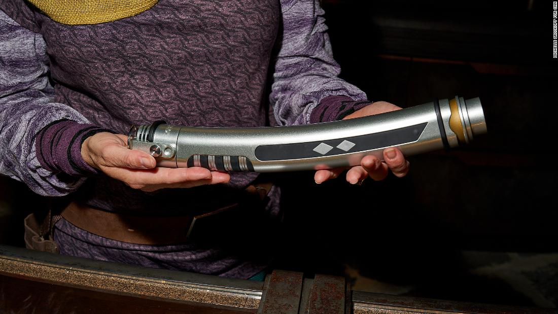 "Dok-Ondar sells legacy lightsabers like Ahsoka Tano's double lightsaber from ""The Clone Wars."""