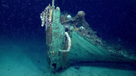 A close-up view of the bow. Marine life is prevalent on the wreck except on the copper sheathing which still retains its antifouling ability to keep the hull free of marine organism like Teredo navalis (shipworm) that would otherwise burrow into the wood and consume the hull, or barnacles that would reduce the vessel