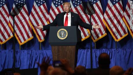 Trump defends himself against the skeptics of his new Mexico deal [19659009] Trump defends himself against skeptics of his new Mexico deal