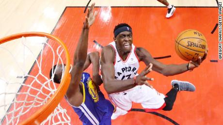 Pascal Siakam led the Toronto Raptors with 32 points to help win Game 1 of the NBA Finals on Thursday.