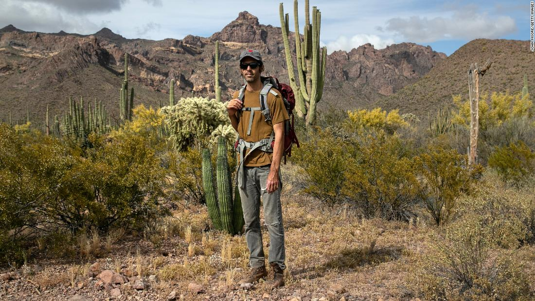 A volunteer worker who aided migrants in Arizona was acquitted of harboring charges