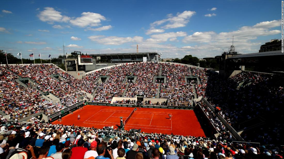 Fans flocked to the stadium to watch the 20-time grand slam winner.