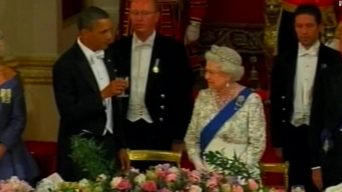 Obama's awkward moment with Queen