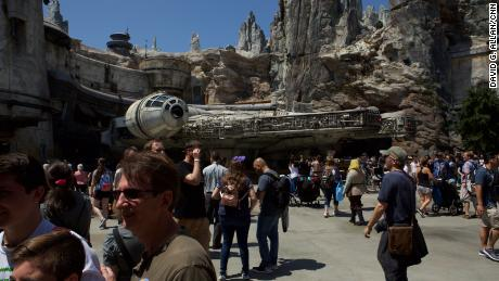01 disneyland star wars opening day