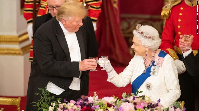 President Trump toasts Queen Elizabeth during UK visit