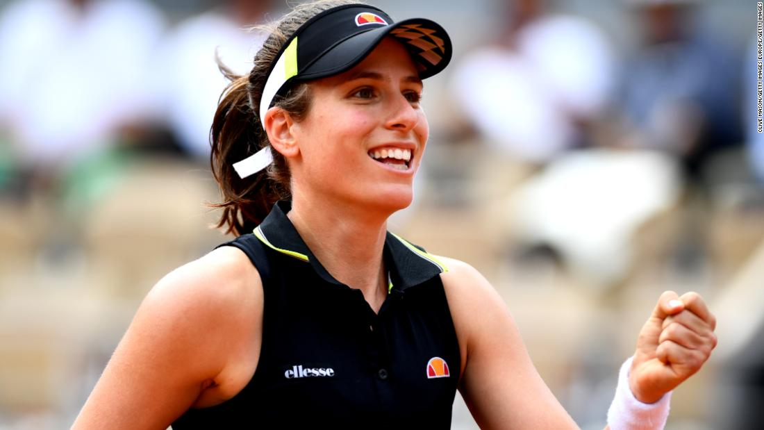 Johanna Konta moved into the women's semifinals, becoming the first British woman to achieve the feat in Paris since Jo Durie in 1983.