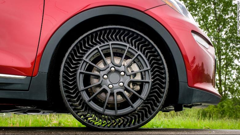 The Michelin Uptis Prototype is tested on a Chevrolet Bolt.
