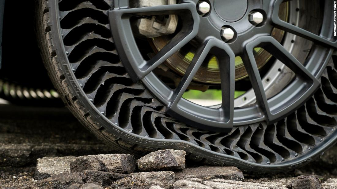 Hubcap Tire And Wheel >> This Airless Tire Could Eliminate Flats