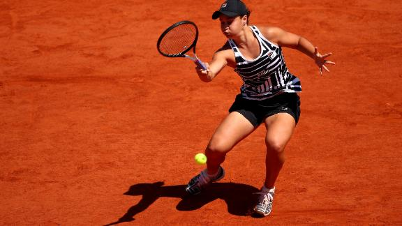 Ashleigh Barty will face Amanda Anisimova in the French Open semifinals.