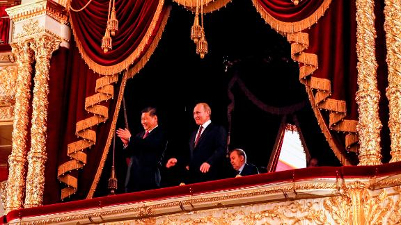 Russian President Vladimir Putin and his Chinese counterpart Xi Jinping at the Bolshoi Theatre in Moscow on June 5, 2019.