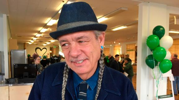 Steve DeAngelo at the cannabis dispensary in 2018.