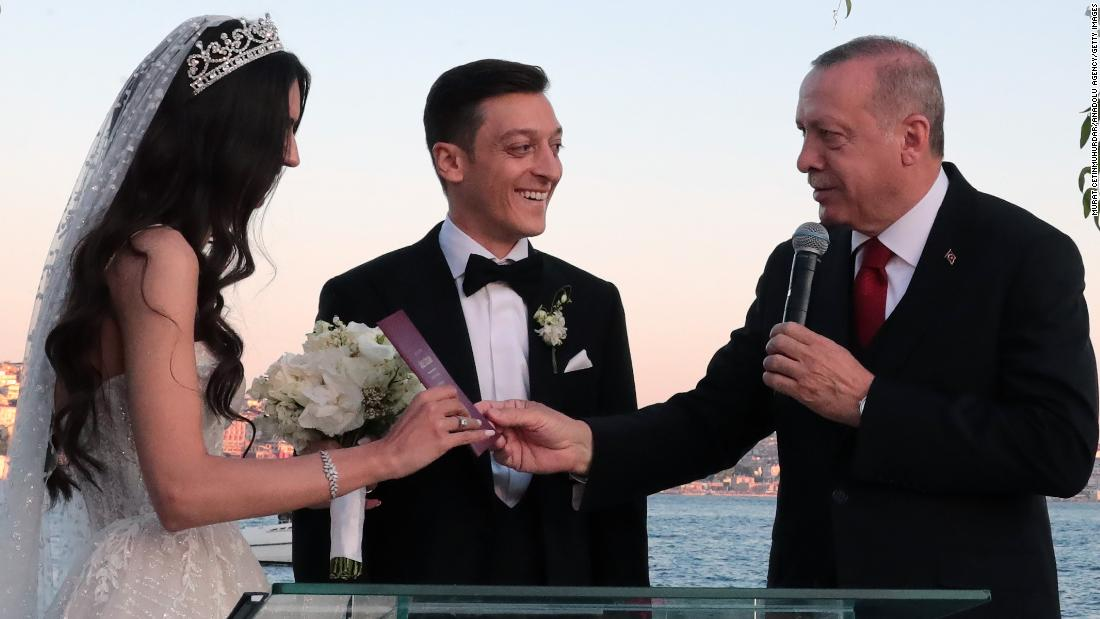 ผลการค้นหารูปภาพสำหรับ Turkish President Erdogan attends wedding of Arsenal star Mesut Ozil+