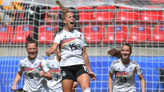 Germany's defender Giulia Gwinn (C) celebrates after scoring a goal during the France 2019 Women's World Cup Group B football match between Germany and China, on June 8, 2019, at the Roazhon Park stadium in Rennes, western France. (Photo by LOIC VENANCE / AFP)        (Photo credit should read LOIC VENANCE/AFP/Getty Images)