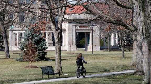 A local bakery said an Oberlin College dean handed out fliers saying the business was racist.
