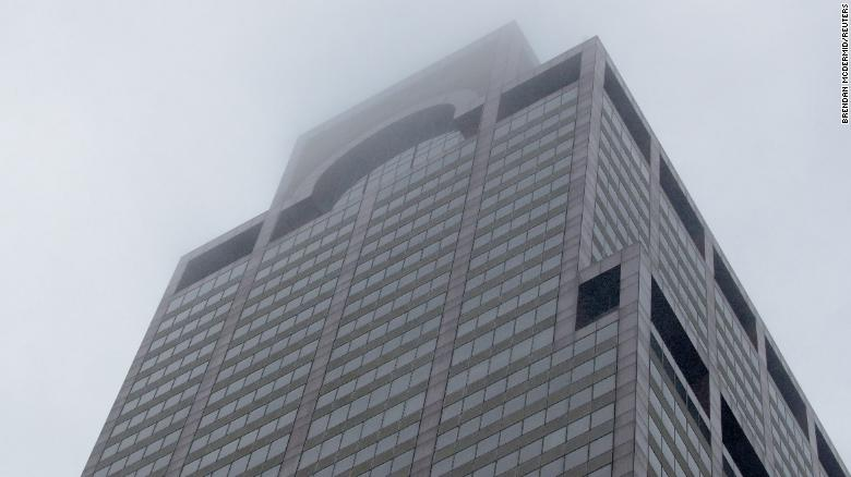 Pilot Of Helicopter Crash Landing On Top Of New York City Building