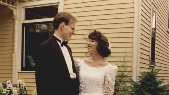 Klobuchar married attorney and professor John Bessler in 1993.