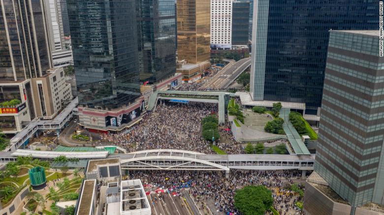 香港暴乱了...今天下午已经发了催泪弹和橡胶子弹-787楼