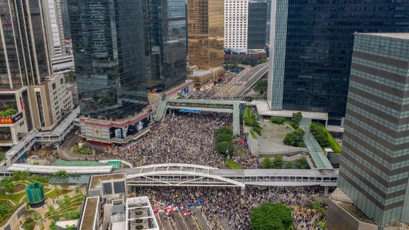 Protesters swarm the streets in another show of strength against the government on June 12, 2019. Photo by Anthony Kwan/Getty Images