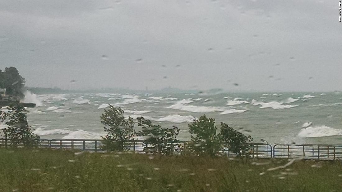 Parts of the Great Lakes will get pounded by 13-foot waves