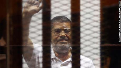 Mohamed Morsy, ousted Egyptian president, dies in court