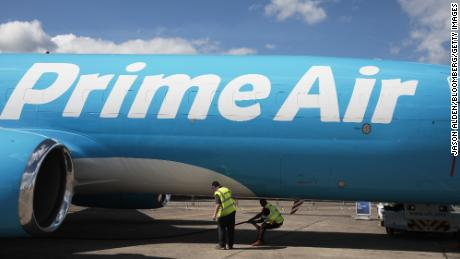 Amazon rents more aircraft so it can deliver packages on its own