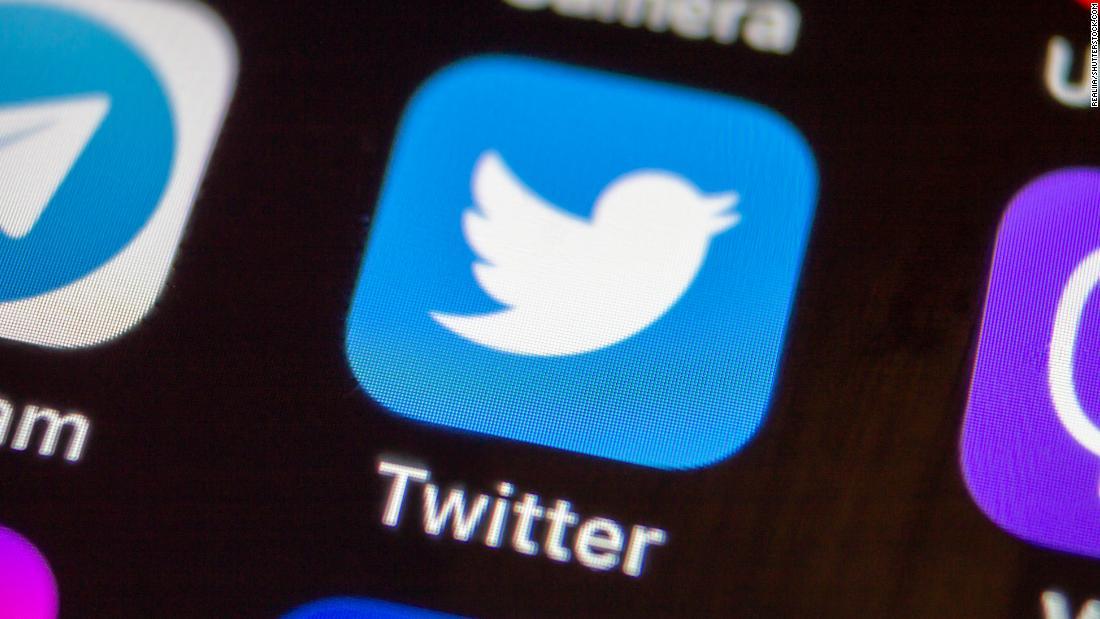 Trump's latest target on Twitter is Comcast thumbnail
