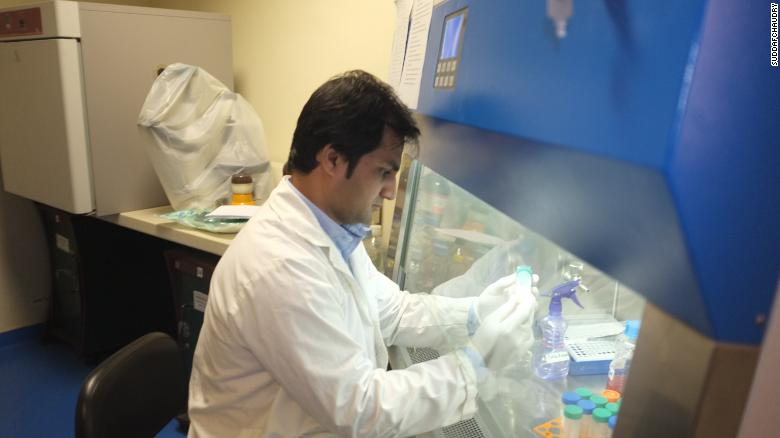 Dr. Rauf Ahmed working in his lab.