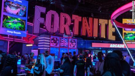 Apex is battling Fortnite with esports - CNN