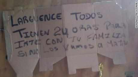 """The death threat received by the González Trejo family in Puerto Cortes, Honduras reads """"Everyone get out. You have 24 hours to leave with your family. If not, we will kill you."""""""