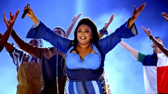 SANTA MONICA, CALIFORNIA - JUNE 15: Lizzo performs onstage during the 2019 MTV Movie and TV Awards at Barker Hangar on June 15, 2019 in Santa Monica, California. (Photo by Kevin Winter/Getty Images for MTV)