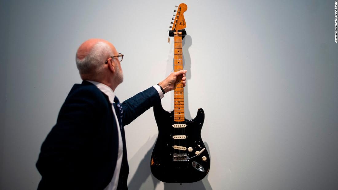 David Gilmour auctioned his guitars and raised $21M for a climate change charity